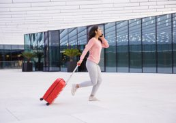 walizka-do-samolotu-abs-czy-polipropylen