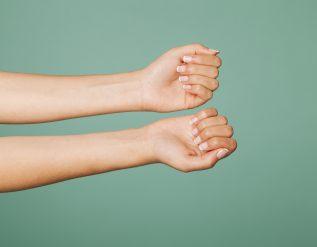 rozdwajanie-sie-paznokci-jak-uratowac-lamliwe-paznokcie