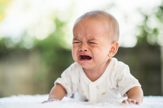 dlaczego-niemowle-nie-chce-spac-najczestsze-powody